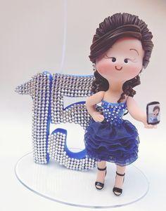 Debutante Azul com celular