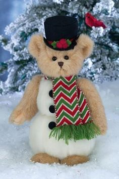 10 inch Christmas Bear 2014 SNOWDEN is a Bear w/snowman body He is so handsome with his top hat and scrarf. He is ready for the holiday and winter season! Christmas Teddy Bear, Christmas Baby, Christmas Holidays, Christmas Decorations, Christmas Ornaments, White Christmas, Merry Christmas, Christmas Gifts, Teddy Bear Pictures