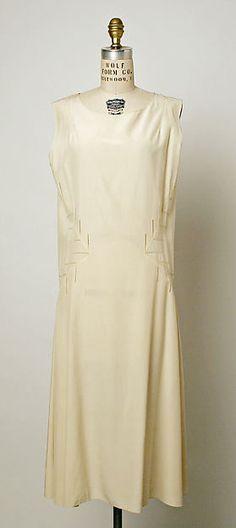 Dress Designer: Madeleine Vionnet  (French, Chilleurs-aux-Bois 1876–1975 Paris) Date: ca. 1932