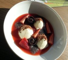 Selection of strawberries with white chocolate mousse, cacao crumbles and chia seeds. ♥
