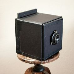 Many of you may remember the Legotron. It was a masterpiece in plastic block—a fully functioning camera made of LEGO bricks by photographer Cary Norton. Pinhole Camera, Box Camera, 120 Film Camera, Old Fashioned Camera, Field Camera, Camera Photos, Photographer Wanted, Medium Format Camera, Photo Equipment