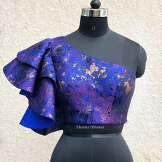 Choli Blouse Design, Choli Designs, Blouse Designs, African Fashion Dresses, African Dress, Chic Outfits, Fashion Outfits, Evening Blouses, Victoria Fashion