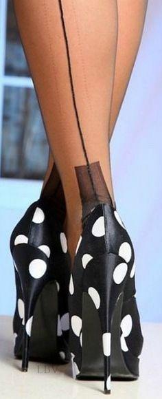 Black and white polka dots - classic | LBV ♥✤