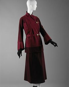 Suit  Paquin, early 1930s  The Metropolitan Museum of Art Guy Laroche, 1930s Fashion, Vintage Fashion, Retro Fashion, Suede Suit, Vintage Dresses, Vintage Outfits, Vintage Clothing, Dior