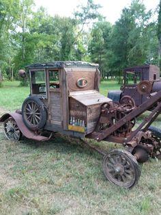 Vintage Trucks Classic 1918 Ford Model T tow truck Big Rig Trucks, Lifted Ford Trucks, Tow Truck, Cool Trucks, Cool Cars, Truck Camper, Vintage Tractors, Vintage Trucks, Antique Tractors