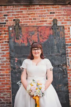 Handmade Huntington Beach Wedding: Mandie & Mike. Flowers: Sarah Converse Florals & Events