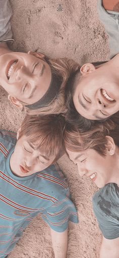 Park Chanyeol Exo, Exo Chen, Kyungsoo, Exo Group Photo, Bts Photo, Baekhyun Wallpaper, Happy Wallpaper, Exo Lockscreen, Exo Memes