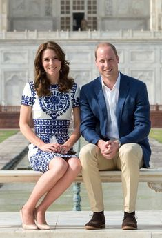 Kate Middleton and Prince William paid a visit to the Taj Mahal on Saturday, April 16, recreating Princess Diana's famous photo in front of the gorgeous monument — see the photos