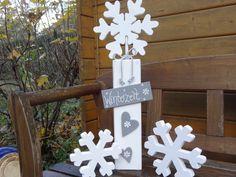 Deko-Objekte - Winterzeit: Schneeflocke auf Säule (groß) - ein Designerstück von Creative-Holz bei DaWanda