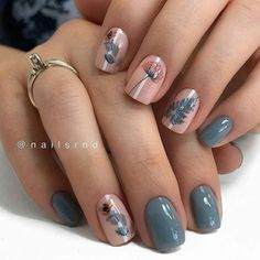 Fall nail art designs are all unique and special, and you are bound to be aware of all the versatility available. Best autumn manicure ideas are here at your disposal! Nagellack Design, Fall Nail Art Designs, Nail Designs Floral, Different Nail Designs, Autumn Nails, Fall Gel Nails, Cute Fall Nails, Simple Fall Nails, Minimalist Nails
