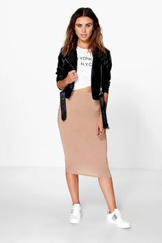 literally what i wear when idk what to wear// boohoo Brea Basic Jersey Midi Skirt Beige Skirt Outfit, Midi Rock Outfit, Skirt Outfits Modest, Midi Skirt Outfit, Pencil Skirt Outfits, Chic Outfits, Fashion Outfits, Emo Fashion, Modest Clothing