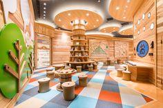 Indoor Playground For Kids – Playground Fun For Kids Kindergarten Interior, Kindergarten Design, Kids Library, Library Design, Japan Design, Design D'espace Public, Kids Indoor Playground, Kids Cafe, Learning Spaces