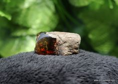 Would you love to reveal a Genuine Gemstone? Dominican Green Amber Stone Seems to be more popular today. Description: Quality: ABB Grade Quantity: 1 stone Total weight: 25 grams Green Amber Stone Measurement: 50 x 28 x 30 mm