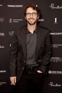 Josh Groban Photos - Josh Groban at the 2019 Town & Country Philanthropy Summit Sponsored By Northern Trust, Memorial Sloan Kettering, Pomellato, And 1 Hotels & Baccarat Hotels on May 2019 in New York City. - 2019 Town And Country Philanthropy Summit Josh Groban Broadway, Josh Gorban, Love Month, I Love Him, My Love, Celebrities Then And Now, Celebrity Workout, People Of Interest, Artists