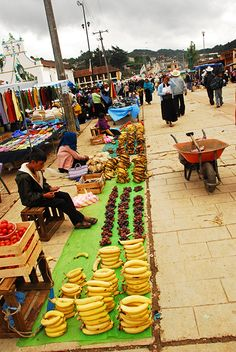 Street Market . San Juan de Chamula, Mexico