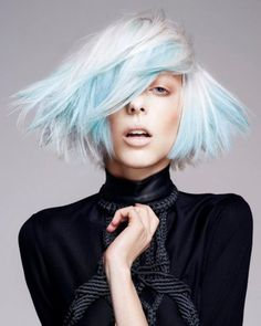 Pictures : Hair Highlights Ideas - Blue Highlights and Platinum Hair Hair Styles 2014, Short Hair Styles, Futuristic Hair, Color Fantasia, Light Blue Hair, Corte Y Color, Platinum Hair, Dani, Creative Hairstyles