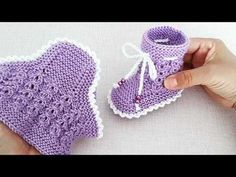 Knit Baby Booties Pattern Free, Crochet Baby Dress Free Pattern, Baby Hat Knitting Patterns Free, Knit Baby Shoes, Crochet Flower Patterns, Diy Baby Socks, Knitted Baby Booties, Knit Jacket, Baby Boots