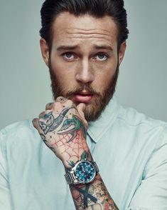 Hand tattoo art  #hand #tattoo #tattooed #tätowiert #tätowierung #ink #inked #art #kunst #color #work #man #beauty #beautiful #classy #sexy #hot #beard #bearded #backhand