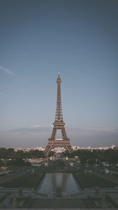 1 million+ Stunning Free Images to Use Anywhere Paris Wallpaper, City Wallpaper, Aesthetic Pastel Wallpaper, Cute Wallpaper Backgrounds, Aesthetic Backgrounds, Aesthetic Wallpapers, City Aesthetic, Travel Aesthetic, Paris Photos