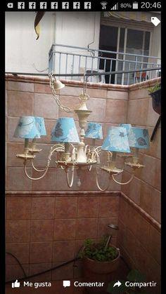 Renovación antigua lámpara de bronce y latón,  pintada en banco viejo y con pantallas forradas de tela.