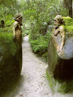 Incredible statues apparently carved from the stone of which they are a part. Guardians at the gateway ~ William Ricketts Sanctuary in the Dandenong National Park near Melbourne, Australia Dream Garden, Garden Art, Garden Paths, Garden Landscaping, Moss Garden, Garden Pond, The Secret Garden, Secret Gardens, Parcs