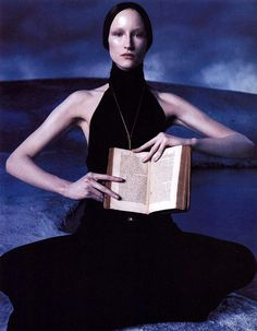 Jade Parfitt with book to read. Versace F/W 1998/'99. Photo by Steven Meisel. Filled with pagan and archetypal references, the images capitalise on the more stylish elements of the couture house and also on postures borrowed from the tradition of Renaissance painting, all reduced to a certain contemporary simplicity. The shoot further testifies to Meisel's unerring judgement when it comes to creating provocative but lasting imagery with fashion. a feat that most may find hard to balance.
