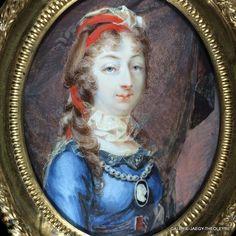 Marie-Thérèse Charlotte  de France duchesse d' Angoulème portrait miniature par Louise Barbault de La Broue de Saint Avit galerie Jaegy-theoleyre