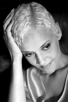 Mariza (1973-  ).portuguese fado singer