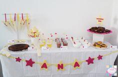 Mesa de doces   +INFO: mimeoseubebe@gmail.com ou mensagem privada   #mimeoseubebe #mime #festaslindas #kitfesta #decoração #festa #aniversáio #estrelas