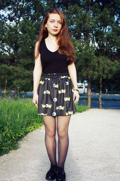 #black #skirt #shirt #H #creepers #red #hair #necklace #sun