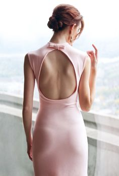Pretty, Pale pink dress I love the open back. Now of course, to find a bra that works for that is the challenge! Pink Dress, Dress Up, White Dress, Female Photographers, Outfit Combinations, Classy And Fabulous, Looks Cool, Chic, Sexy