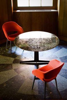 Charme è una seduta che sintetizza nel più raffinato dei modi, i concetti di semplicità ed eleganza.