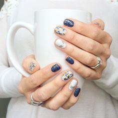 Blue white stripes floral