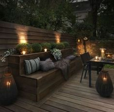 Outdoor lighting ideas for backyard, patios, garage. Diy outdoor lighting for front of house, backyard garden lighting for a party Backyard Seating, Backyard Patio, Backyard Landscaping, Landscaping Ideas, Patio Ideas, Porch Ideas, Diy Patio, Outdoor Ideas, Party Outdoor