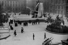 George Square 1920s Glasgow Scotland, Scotland Travel, High Road, Present Day, Old Photos, Postcards, Paisley, Past, Scenery