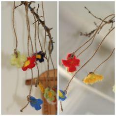 ein bisserl Frühling für die Wohnung Art For Kids, Children, Flower Mobile, Handarbeit, Floral, Felt, Art For Toddlers, Kids, Art Kids