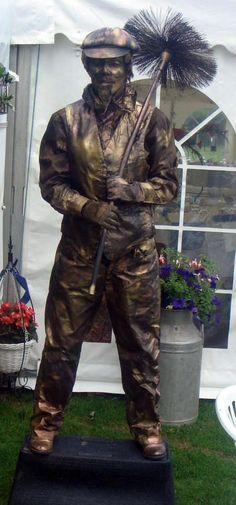 living statues in Devon Living Statues, live statues, human statues, living statues, mimes, golden statues, silver statues bronze statues