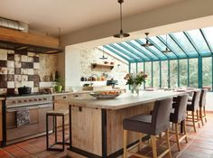 Résultats Google Recherche d'images correspondant à http://cdn-maison-deco.ladmedia.fr/var/deco/storage/images/art_decoration/dossiers/cuisines/cuisines-des-extensions-a-vivre/cuisine/580643-1-fre-FR/CUISINE_w641h478.jpg