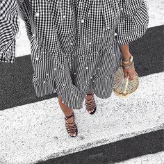 Instagram media by lilylovesfashion - V i c h y  #outfit #ootd #outfitoftheday #today #details #detailoftheday #vichy #bordeaux  Robe #modeinelo  Sandales #mango  Sac #modeenfrance #birkinbasket  Coup de cœur pour les détails de cette robe ... Belle soirée les beautés
