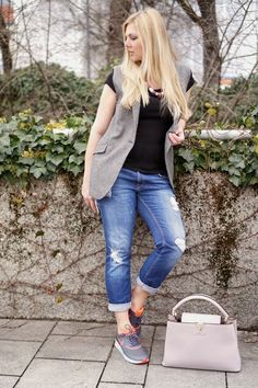 How to dress up a simple outfit with a vest New post on my Blog: http://www.glamfizz.de #fashion #fashionblogger #blogger #blog #style #outfit #ootd #mode