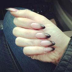 Stiletto nails ombré effect. Want these, but a little shorter.