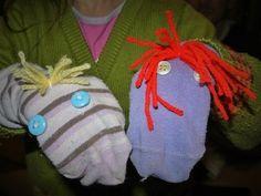 et que l'on a des chaussettes orphelines, on a tout pour se trouver une occupation bien sympathique et amusante ! Testée pour vous ce soir par votre dévouée blogueuse et sa louloute Ludivine : la fabrication de marionnettes ! Pour le matériel vous avez...