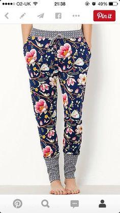 Pants: floral pants, lotus flower, leggings, flowers, navy, loungepant, printed pants - Wheretoget