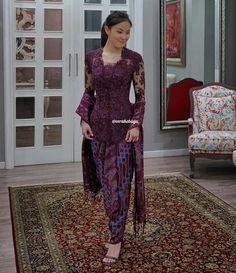 "Vera Anggraini on Instagram: ""@natashasilfanus ...💜 #Kebaya #batik #partydress #fittingsession"" Kebaya Hijab, Vera Kebaya, Kebaya Brokat, Batik Kebaya, Kebaya Wedding, Disney Wedding Dresses, Hijab Bride, Pakistani Wedding Dresses, Kebaya Jawa"