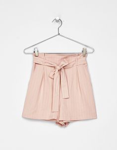 Tailoring shorts with bow belt. Discover this and many more items in Bershka with new products every week
