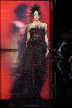 Défilé Giorgio Armani Privé Automne-hiver 2014-2015 Haute couture | Le Figaro Madame