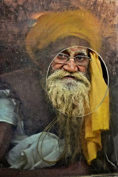 Yellow Turban, Gorakhpur Railway Station, India