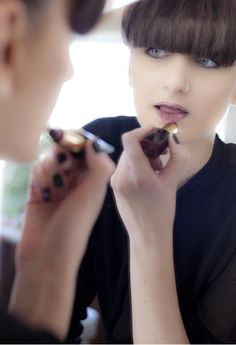 Put the lipstick on Making small & thin lips looking bigger  Tips & tricks by Panos Kallitsis