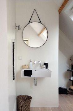 Modern bathroom inspiration by COCOON Diy Bathroom Decor, Bathroom Styling, Bathroom Interior, Modern Bathroom, Small Bathroom, Bathroom Ideas, Minimal Bathroom, Small Sink, Bathroom Hacks