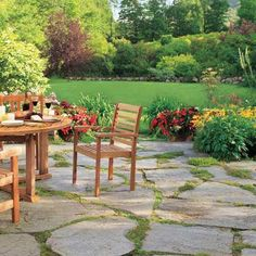 Flagstone patio - Building Blocks for a Perfect Patio The experts at This Old House give pointers on picking the right surface to suit your patios function, its surroundings, and your budget Backyard Walkway, Flagstone Patio, Backyard Landscaping, Walkway Ideas, Landscaping Ideas, Backyard Ideas, Pavers Ideas, Stone Landscaping, Porch Ideas